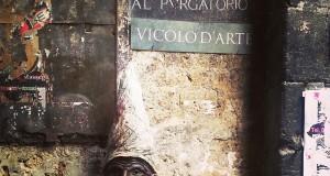 Cosa Vedere a Napoli in due Giorni - Vico del Fico al Purgatorio - Testa di Pulcinella